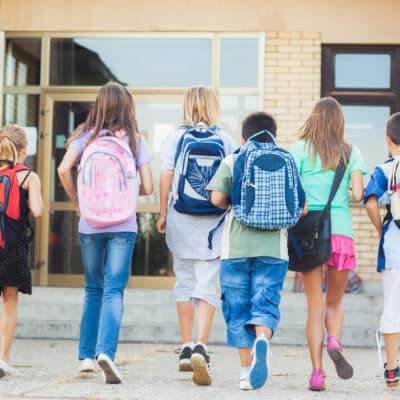 How Parents CanHelp their Kids Prepare for Back to SchoolTime and make the transition from Summer to School an easy one. Help Kids Head Back to School.