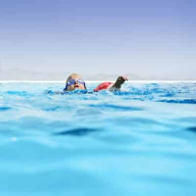Know the 5 Signs of Drowning Because Drowning is Quick and Silent and You Only have 20-60 Seconds to Rescue A Drowning Child Before It's Too Late