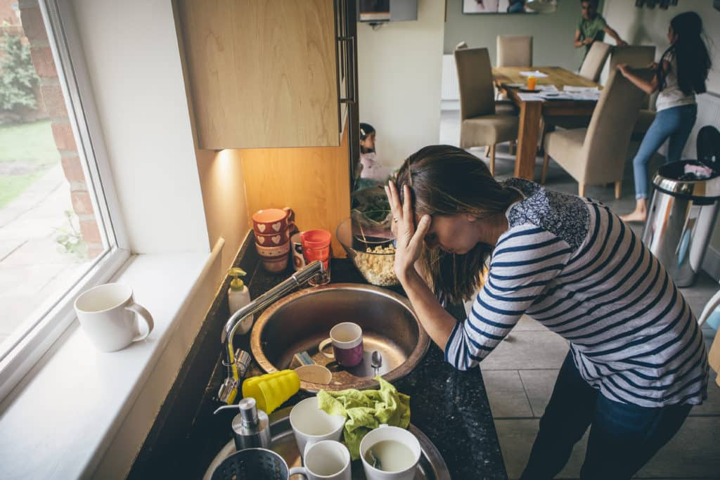 Stress Busting Tips for Busy Moms: 7 Effective Ways to Minimize Parenting Stress and Living More Peacefully and as a Happier Mom