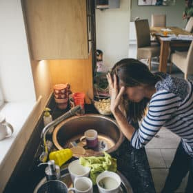 Stress Busting Tips for Busy Moms: 7 Effective Ways to Minimize Parenting Stress.