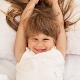 10 Helpful Tips For Putting a Child to Bed Who Fights Sleep