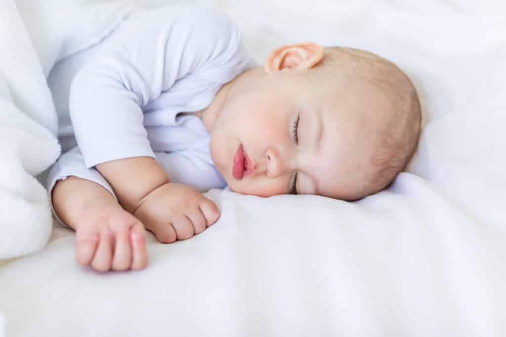 How to Fix Your Baby's Sleep & Navigate the 4 Month Sleep Regression. Learn how long the 4 month sleep regression lasts and how you help your baby through the 4 Month Old Sleep Regression with these 4 month sleep regression tips.