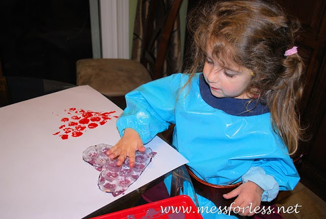 bubble wrap hearts toddler valentines day craft idea
