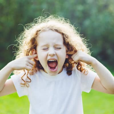 How parents can help kids learn to identify and manage big emotions. 5 Steps to teach children how to manage big emotions and deal with feelings.