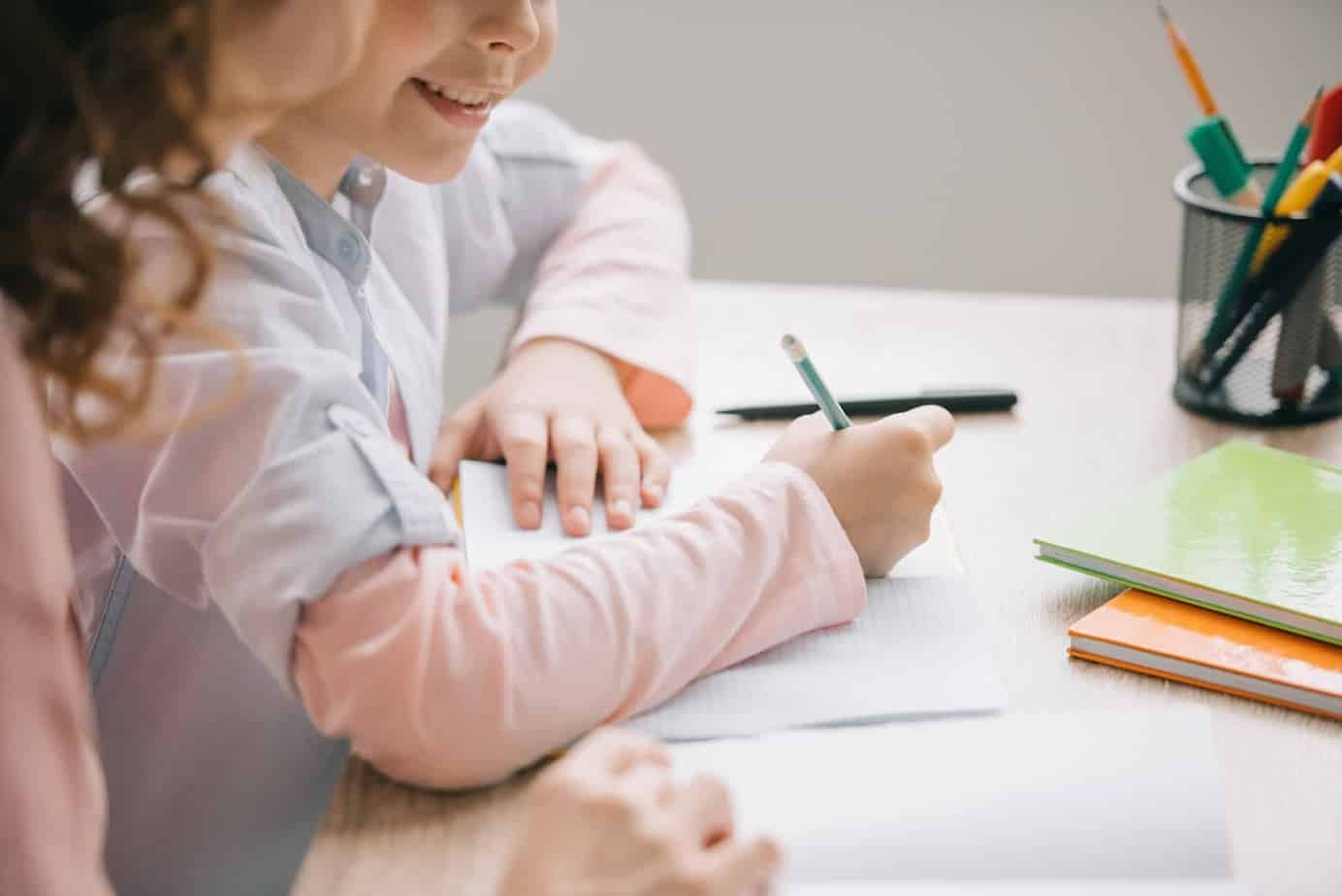 Are you considering homeschooling your kids this year or possibly in the future? This is a balanced list of pros and cons of homeschooling to help you make an informed and confident school choice decision.