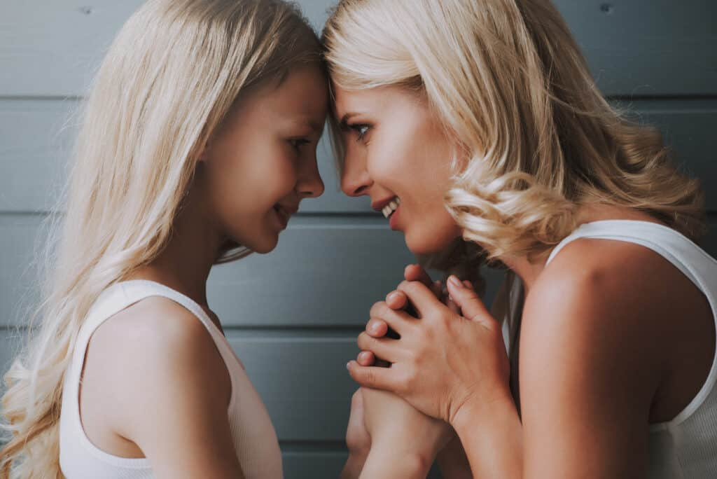 Positive Parenting Solutions to Be a Calm Mom & Get out of the Yelling Cycle. 9 tips to stop yourself from yelling at your kids & have a great relationship.