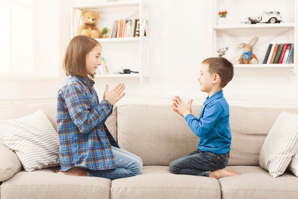 Quiet games to take anywhere with kids that don't need prep or a lot supplies. Quiet activities and quiet games for kids to play when you're in the car, in a waiting room or at home and need the kids to play independently.