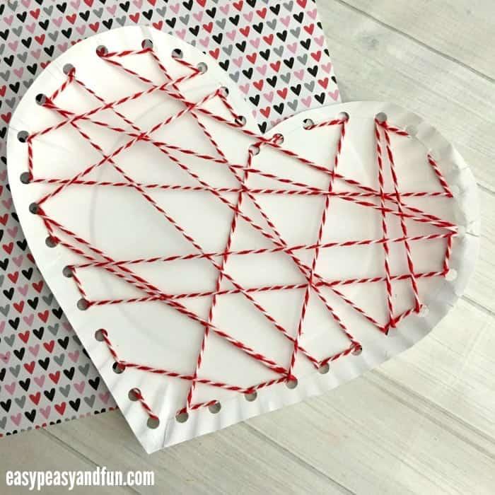 yarn paper plate heart craft